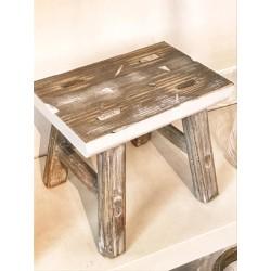 Sgabello in legno white washed S