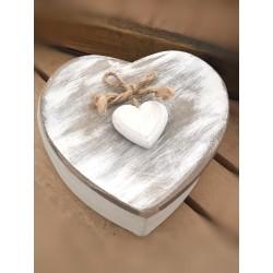 Scatola in legno whitewashed a forma di cuore
