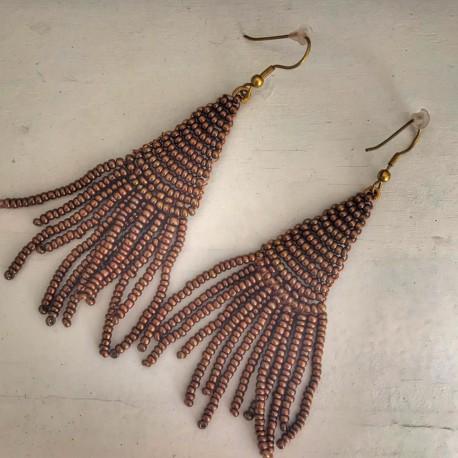 Orecchini pendenti con perline color bronzo