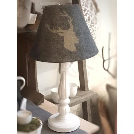 Lampada da tavolo con paralume cervo