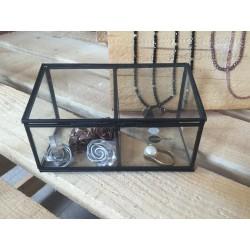 Scatola in vetro e metallo nero a due scompartimenti