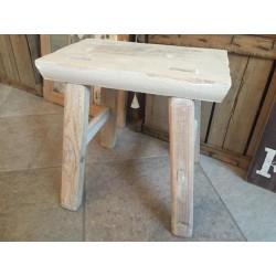 Sgabello in legno white washed